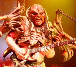 1280479-gwar-flattus-maximus-cory-smoot-617[1]