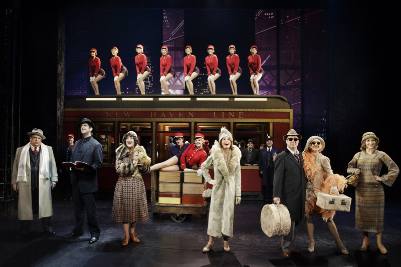 Theater Review-Bullets Over Broadway