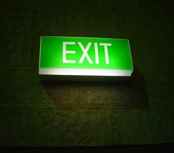 glowing-exit-sign_w725_h544[1]