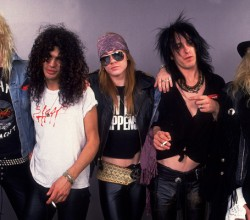 guns-n-roses-big-hair-rock-star-fashion-music-photo-gallery-600x400[1]